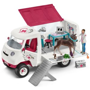 Schleich Mobile vet with Hanoverian foa